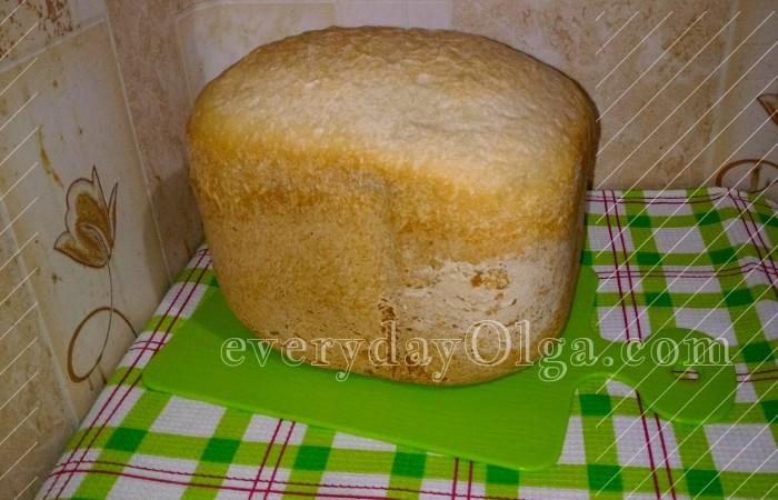 пшеничный хлеб в хлебопечке белый