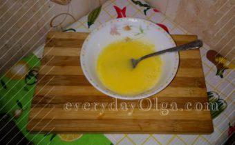 взбитые желтки с молоком